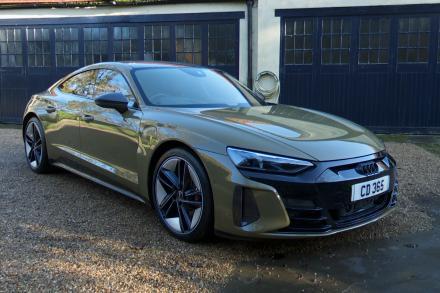Audi Rs E-tron Gt Saloon 475kW Quattro 93kWh Carbon Black 4dr Auto